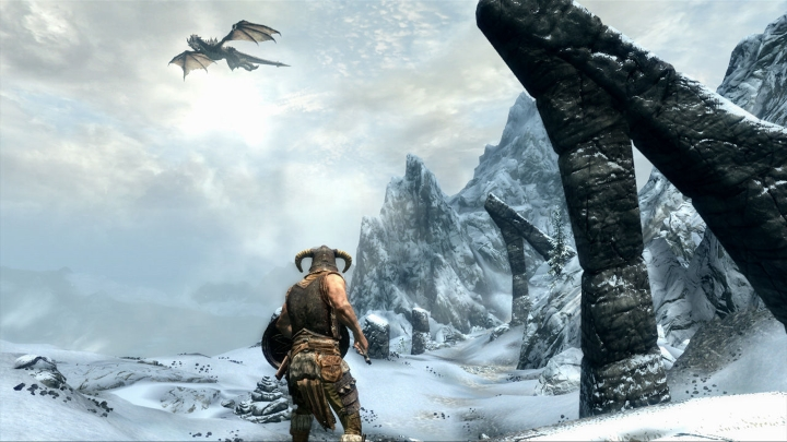 the-elder-scrolls-v-skyrim-flying-dragon