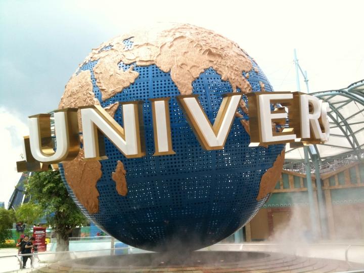 universal-studios-theme-park-singapore