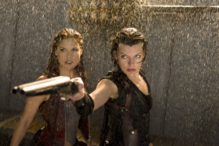 resident-evil-afterlife-alice-and-claire