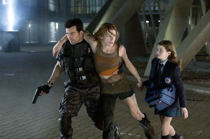 resident-evil-apocalypse-milla-jovovich-and-others