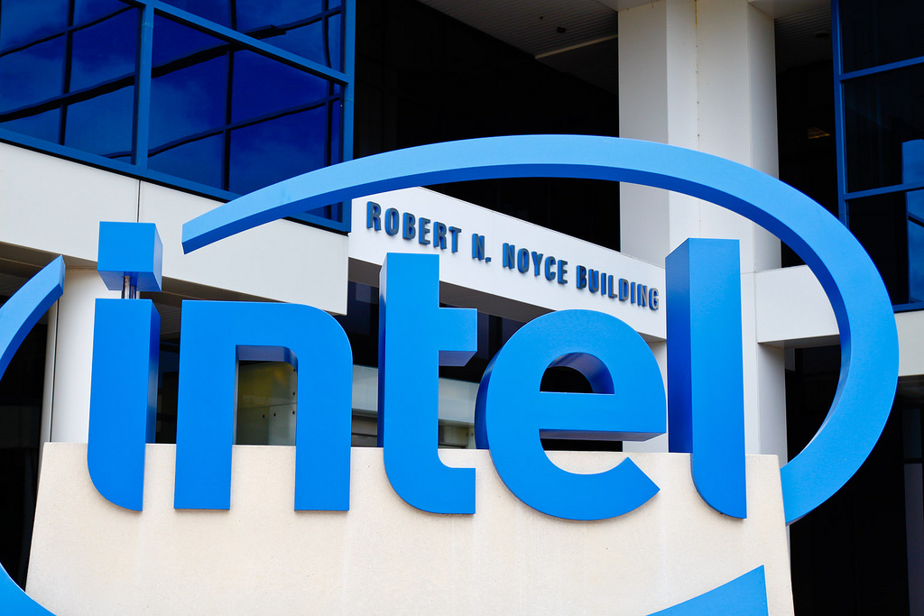 Intel Core i7-11700K differentiates AMD Ryzen 7 5800X